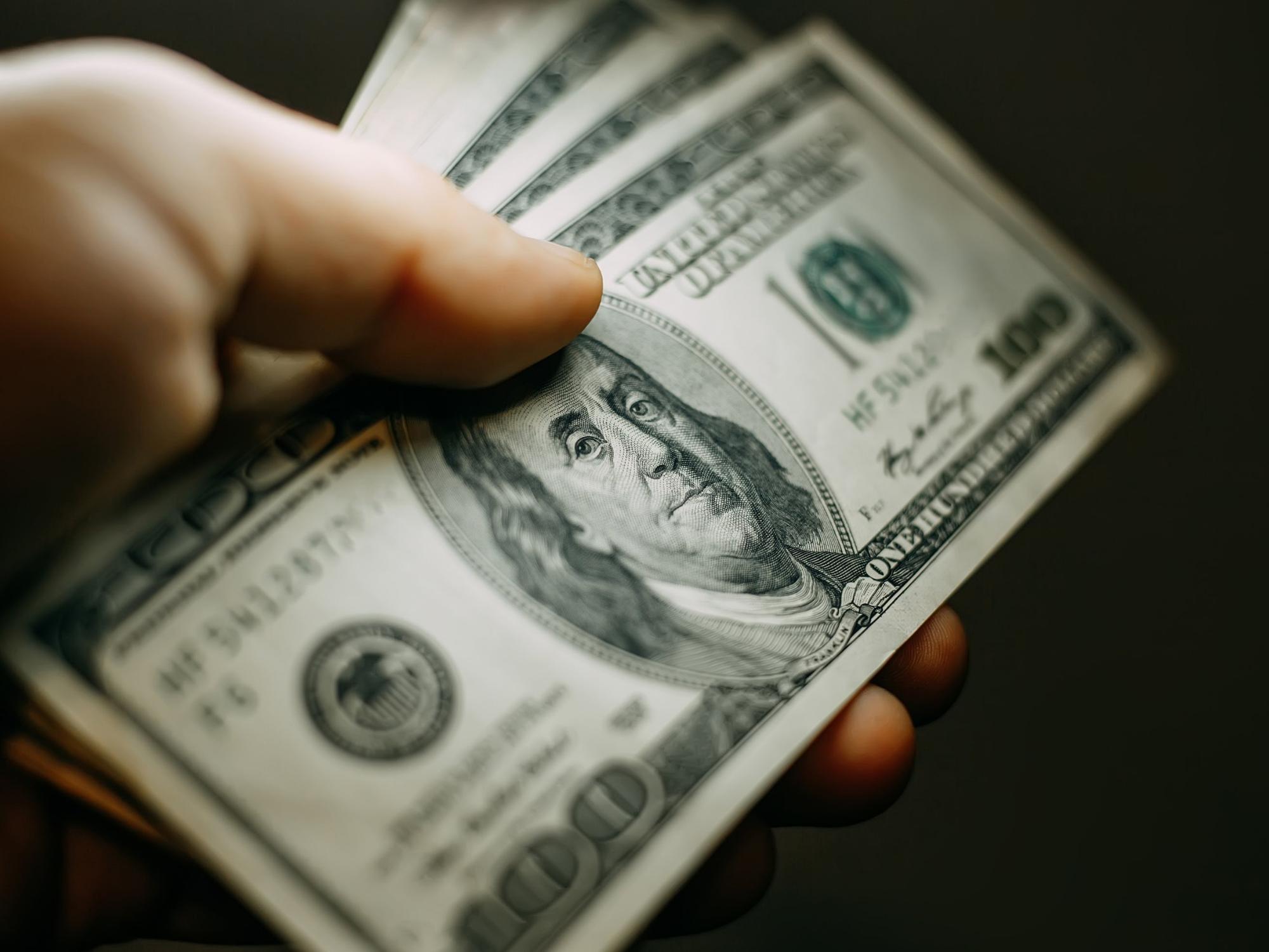 ¿Qué está pasando con el dólar en el mundo?